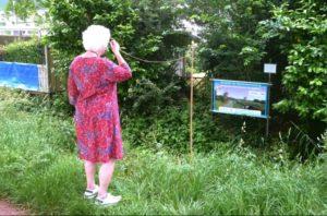 bannerfoto expositie in achtertuin